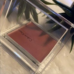 Calvin Klein cheek color wash 04 blushing